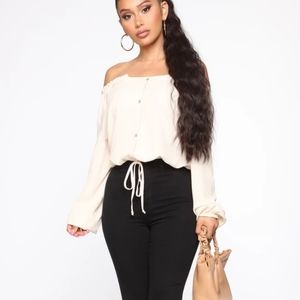 NEW! Lady In Waiting Top